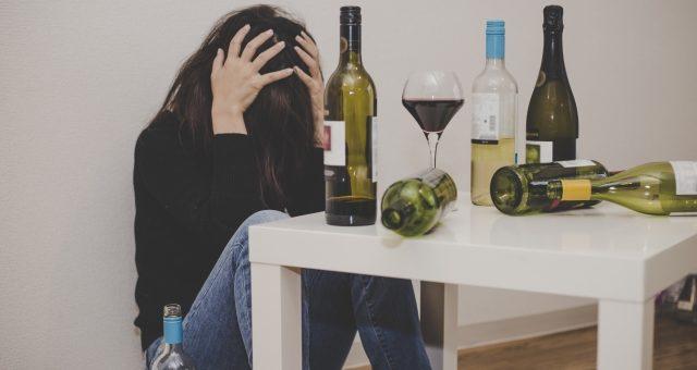 禁酒によるイライラ、お酒の辞め方で我慢しない方法はある?